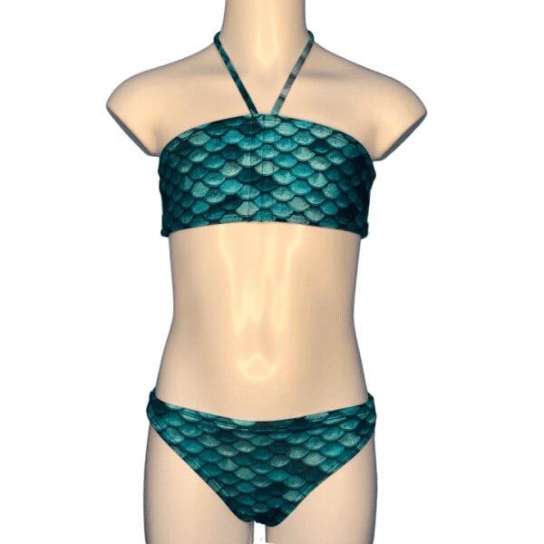 turquoise zeemeermin bikini. Het topje en broekje hebben beide schubben van een zeemeermin.
