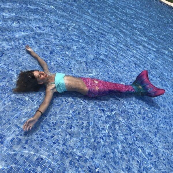 Zeemeerminnenstaart om te zwemmen als een echt zeemeermin. Zeemeerminnenstaart in rose, groen en paarse kleuren. De favoriet van onze klanten.