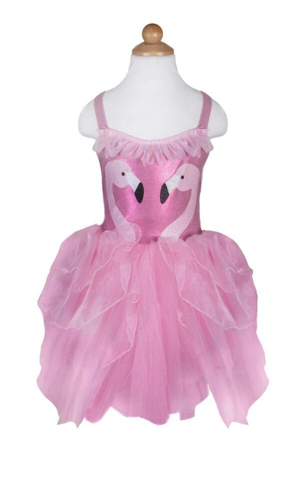 Schattige Flamingo Jurk & Hoofdband Set, met een pluizige rok gemaakt van laagjes zacht roze organza. Het lijfje is gemaakt van rekbare tricot stof en is voorzien van flamingo's met glitterprint, en de gelaagde rok is versierd met zachte tule. Glinsterende bloemblaadjes rond de halslijn zijn veren en deze zijn ook te zien op de bijpassende flamingo hoofdband.